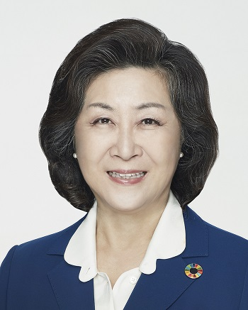 Kim Eun-mi from Graduate School of International Studies was elected Ewha 17th president. Photo provided by the Office of Communications.