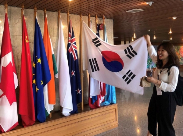 Chu Yi-young's story on what it's like to be a youth representative in Korean embassy abroad