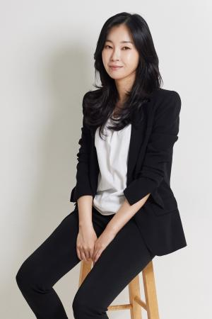 ​Rich unnie Yoo Soo-jin refers studying finance equates preparing a life-kit.Photo provided by Yoo Soo-jin.